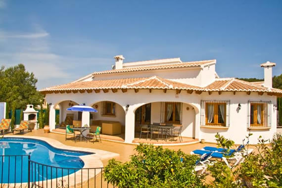 5-bedroom detached villa, La Cala in the Costa Nova area of Javea.