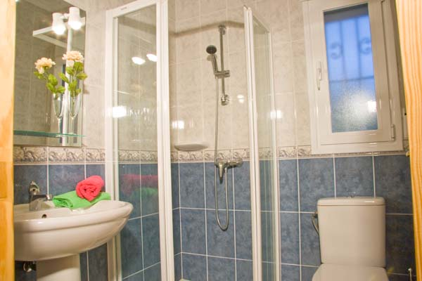 Shower room in Villa Emma, Javea, Costa Blanca